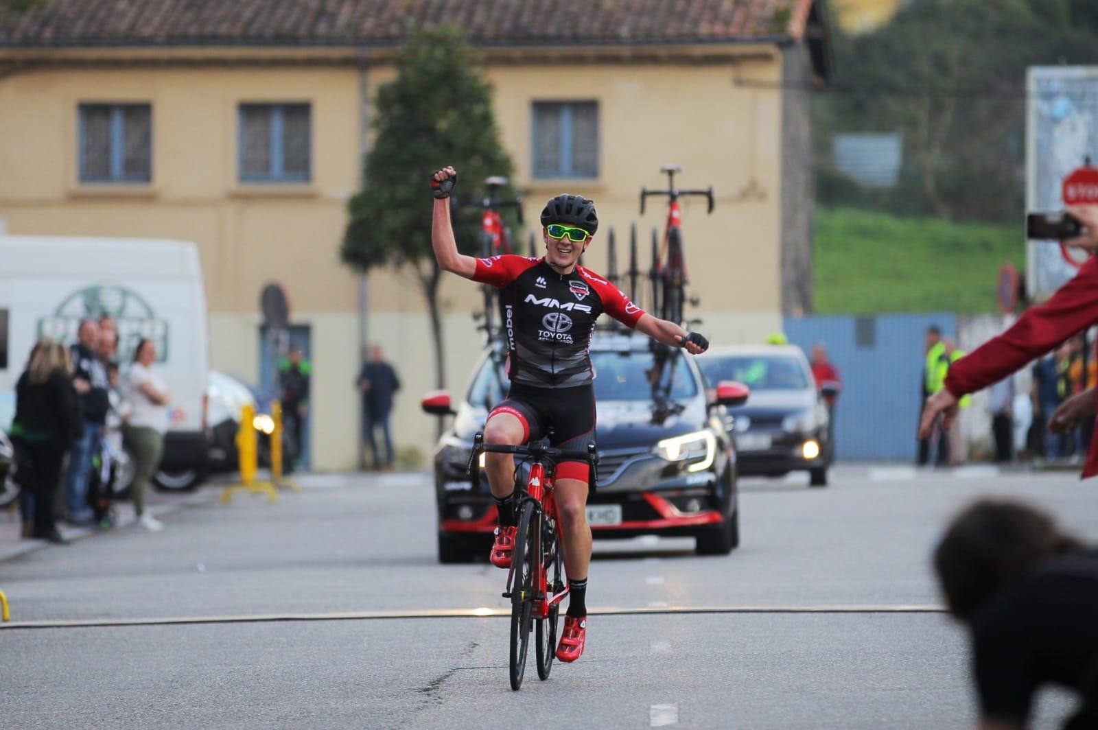 Sergio García, del MMR Academy, se exhibe en el Trofeo Laguna y se proclama Campeón de Asturias juvenil